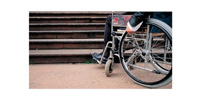 sedia a rotelle barriere architettoniche