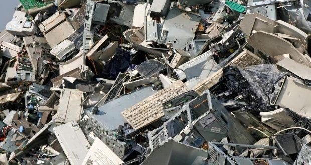 Come gestire i rifiuti elettronici e ridurne il quantitativo